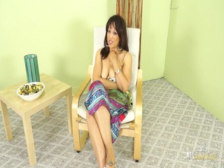 sexy mother id like to fuck lala bond gives a