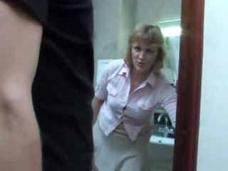 mature mama takes a piddle on the toilet and