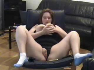 self recorded older wench masturbating