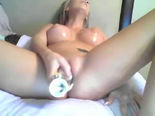 mother i hot dildoing
