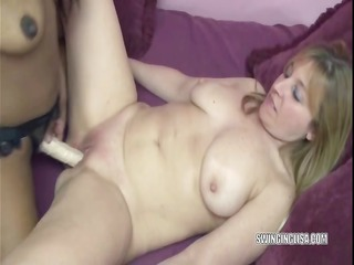 lesbian kelly bonks curvy liisa with her ding-dong