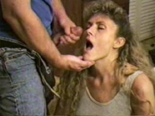wife sucks dick