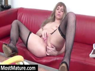 young blond d like to fuck gets horny and