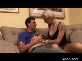 d like to fuck blond wench receives her way with