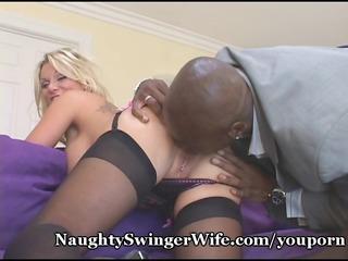 busty wife receives her ass eaten out