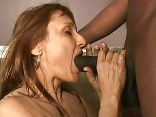 hot d like to fuck gives oral pleasure to black