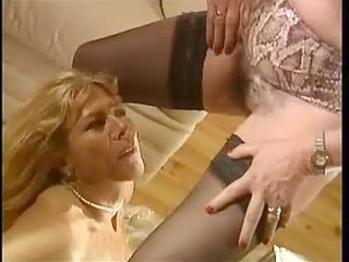 piddle french femmes matures - scene 4 dany