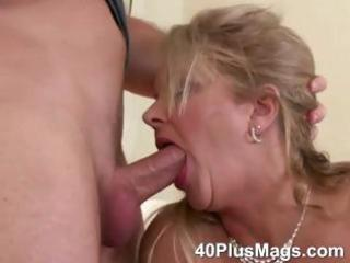 older orall-service and love tunnel fucking skills