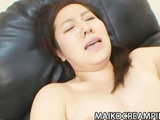 mature japanese mikako imada getting her snatch