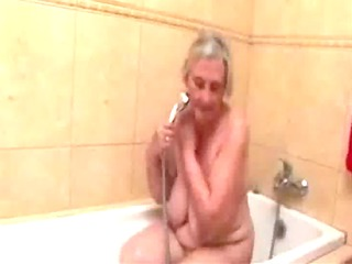 see this old doxy taking a bath. dilettante