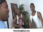 see mature lady who likes large dark pecker 32