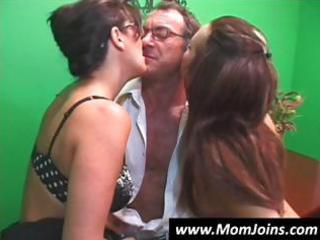 randy spears dips his pounder inside a mamma with