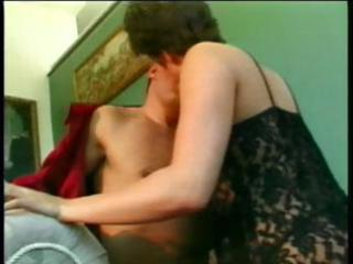 hawt dark brown wife eats his dick and rides it