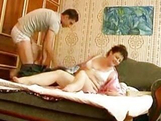 young hunk bangs older bulky momma in bedroom