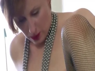 aged bitch in nylons gets drilled