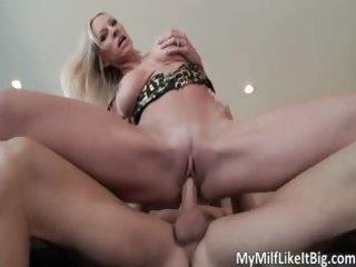 hawt blonde mother i emma starr receives pounded