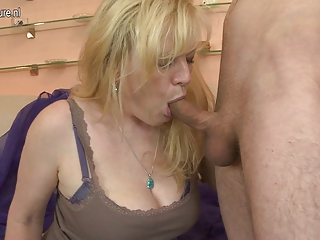 sexy amateur mother getting fucked hard by