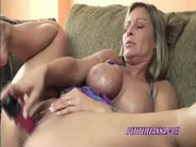 breasty mother i leeanna fucking her snatch with