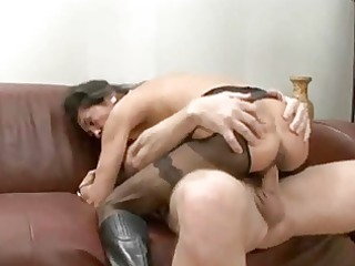 older whore gets cream pie and facial