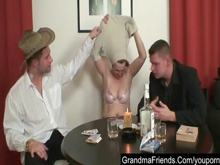 old babe looses in poker and need to pleases guys