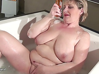 older slut mother with saggy bumpers taking a