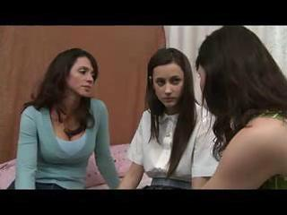 mother shows daughter how to be a lesbo d41