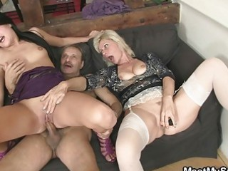 mommy licks daughters twat while dad wanks