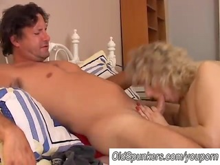 hawt cougar can to fuck a younger boy