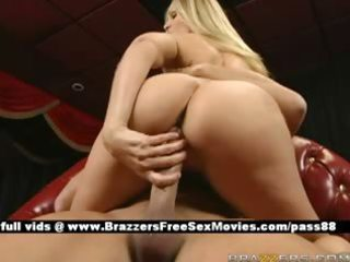 blonde d like to fuck receives fucked