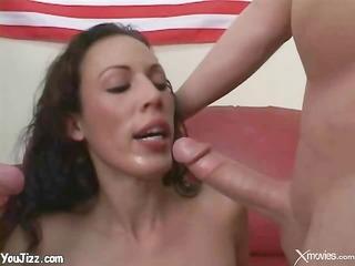 honey gets oral hygiene