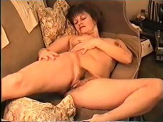 large tit d like to fuck shows curly cunt