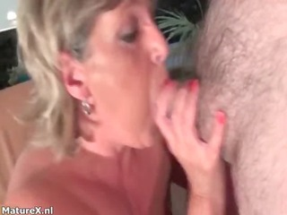 naughty mature floozy goes insane sucking
