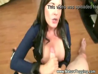 beautiful mom bella roxxx gives her paramour a