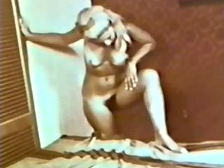 softcore nudes 2103 0685s - scene 5
