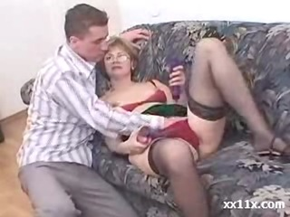 he is caught his mother masturbating