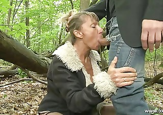 shanaelle a older anal fucked in the woods